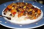 Чили с черной фасолью и рисом