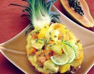 Фруктовый салат с имбирем и мятой