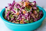 Салат с капустой и джикама