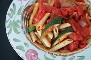 Цуккини с томатной пастой