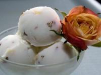 Кокосовое мороженое с белым шоколадом